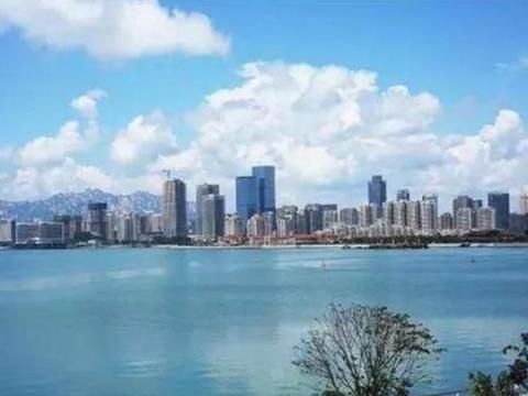 直击青岛西海岸新区:高楼大厦林立的新城区