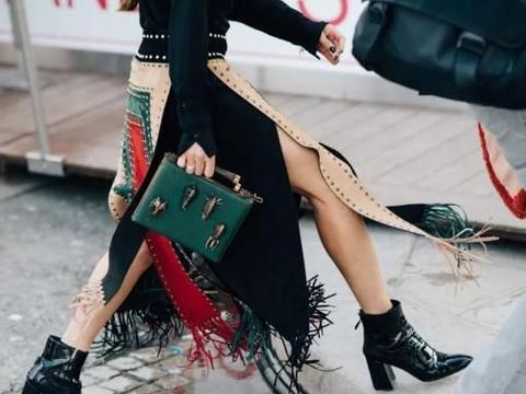 秋季鞋履——黑色切尔西靴和马丁靴怎么穿搭成为时尚达人?