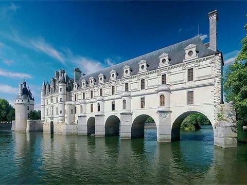 """法国有一座""""水上女人城堡""""400年都是女性主宰!"""