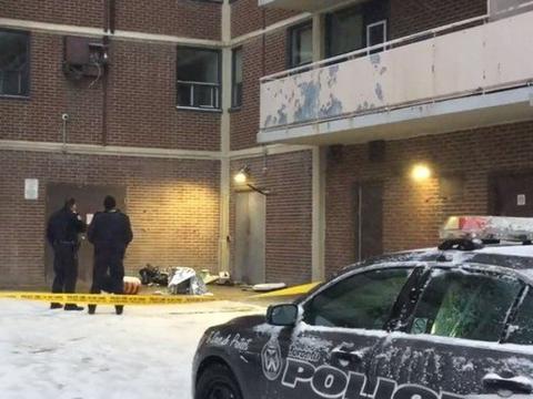 空调从8楼掉落…砸中婴儿车内2岁女童亡 一旁母亲毫发无伤