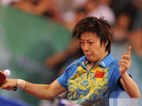 张怡宁在北京奥运会为什么被裁判要求临时换球拍国际乒联针对她吗
