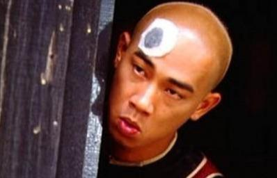 山鸡哥陈小春谈起弟弟眼泛泪光:当初3000元卖掉他,如今无法寻回