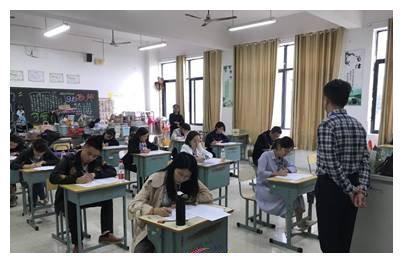 湘潭市首届中职班主任基本功比赛在市工贸中专成功举行