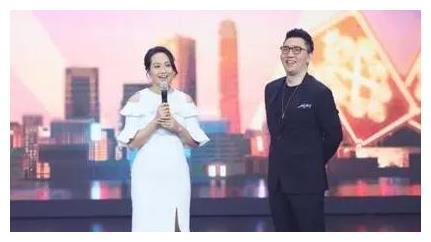 朱丹重返浙江卫视,与华少再次同台主持,网友:有救了