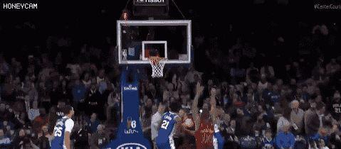 2米13恩比德单挑2米06汤普森,两中锋互飙三分够奇葩,NBA变味了