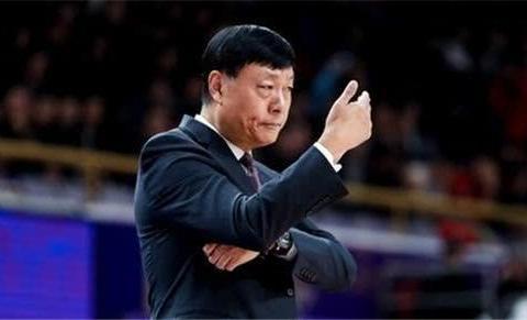 四大强援合砍11分,李秋平直言不满,上海男篮花费重金恐打了水瓢