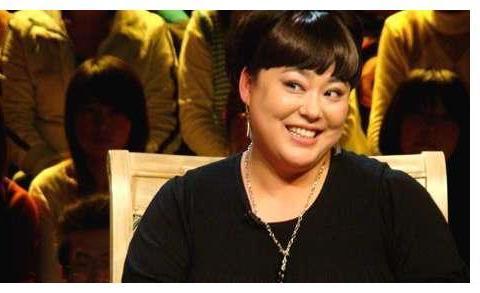 李菁菁:李静的同学,从艺34年突然宣布退出娱乐圈