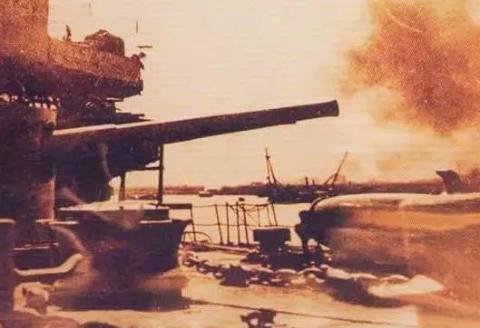 为了下一场战争,西方帝国违背中国封锁禁令,秘密购入一艘商船
