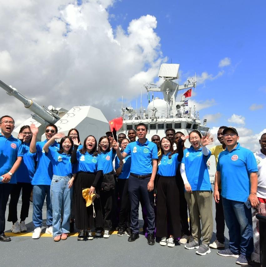 中国海军潍坊舰抵达非洲坦桑尼亚