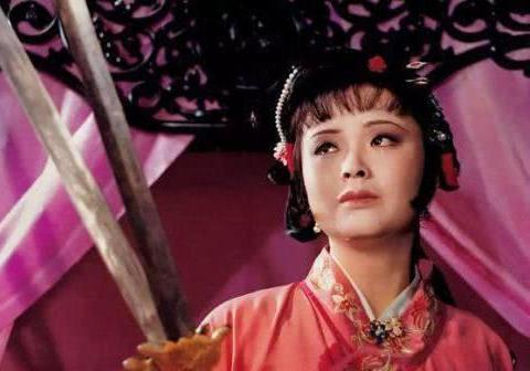 尤三姐有勇有谋,为何心理却如此脆弱,落得个拔剑自刎的下场?
