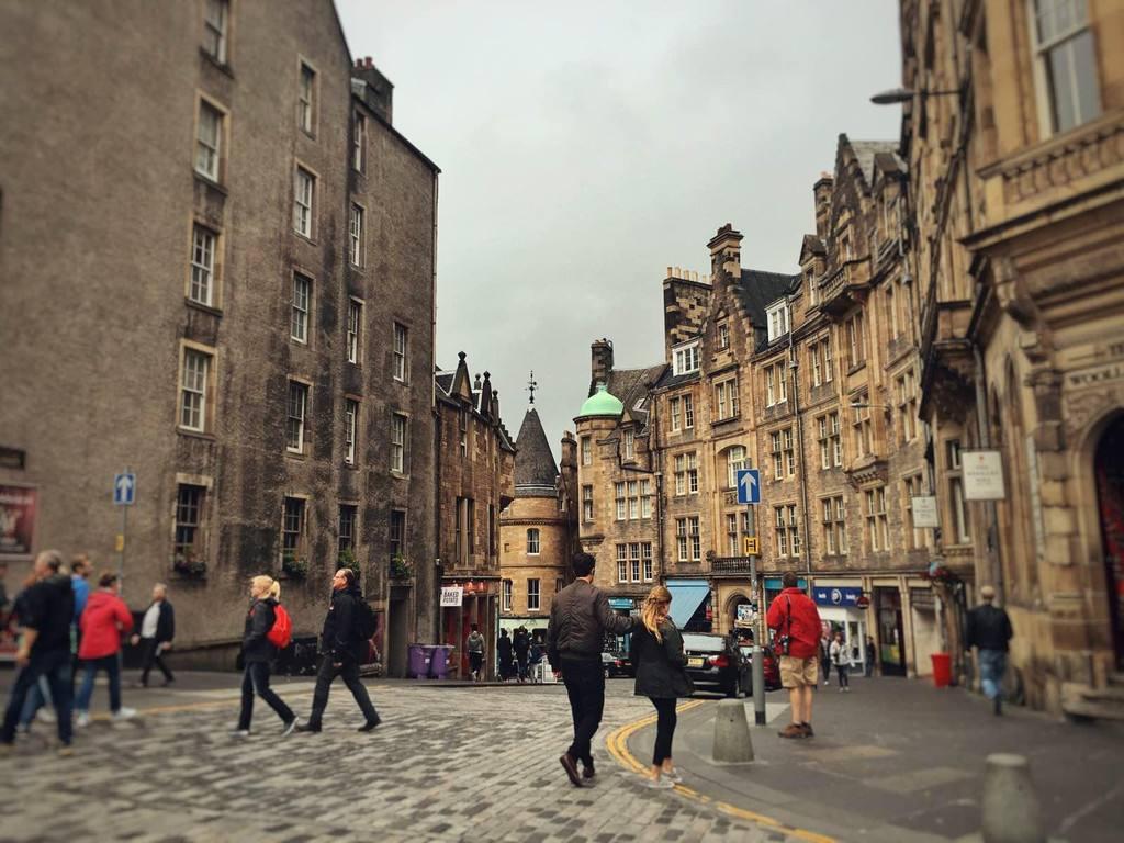 爱丁堡,英国第二大旅游城市,没有高楼大厦