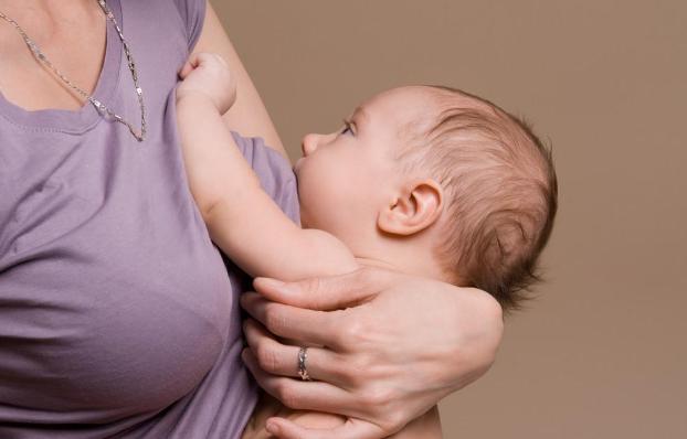 母乳妈妈如何提高奶水质量?学会这一些方法,让宝宝长得更棒