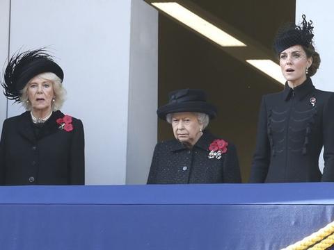 """英国女王也是""""凯特王妃粉""""!作家曝像邻家女孩:她比去年更开心"""