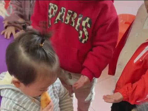 看了宝宝带零食去幼儿园的遭遇实拍,你还会让宝宝带零食上学吗?