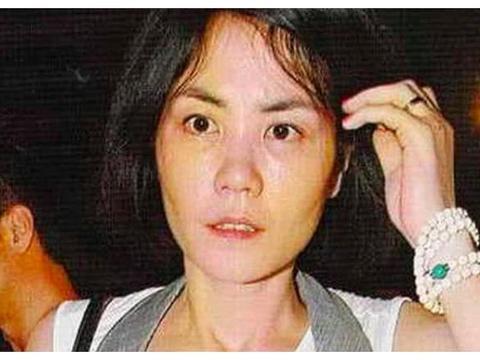 王菲跟张柏芝比,输的不只是年龄,沉默不语也成了她的弱项!