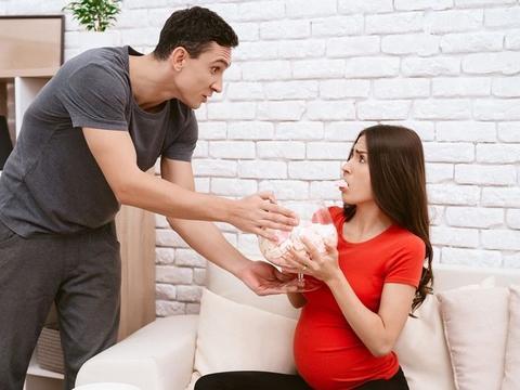 孕期禁忌让人焦虑!如何应对长辈建议、破解假消息?