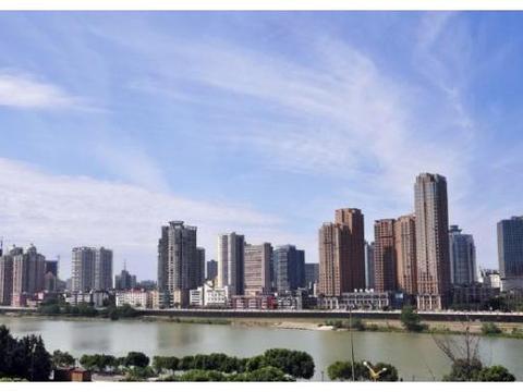 """四川第二大城市,实力仅次于成都,被誉""""中国科技城""""却仅为三线"""
