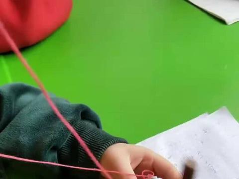 孩子天天丢橡皮,机智奶奶想出最实用解决方案,老师看了都点赞