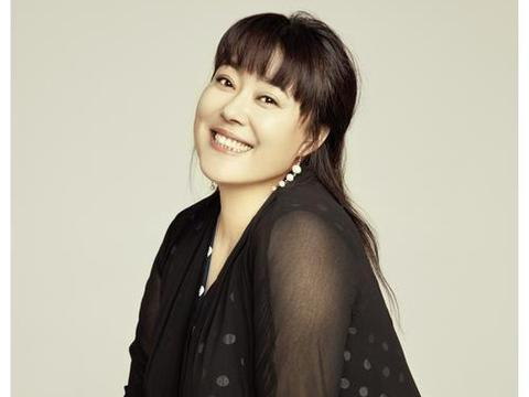 李菁菁宣布退出演艺圈:圈中的猫腻太多了