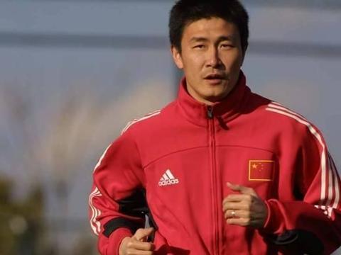 两位中国足球的大哥级人物,范志毅和郝海东谁的成就更高呢?