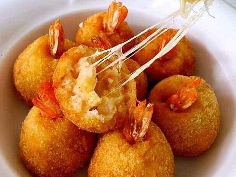 家常菜:芝士虾球,炖腔骨,香辣酥炒排骨,凉拌豆腐皮