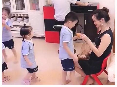 结婚5年生两次孩子,一胎龙凤胎,二胎是双胞胎,宝爸:俺太难啦