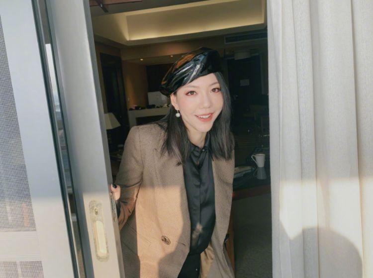 20岁《好声音》成名,庾澄庆6年导师她成功,胖到认不出