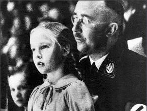 """古德隆·希姆莱在父亲海因里希的熏陶下变成了""""纳粹公主"""""""