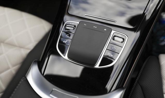 北京奔驰EQC正式上市 售57.98-62.28万元