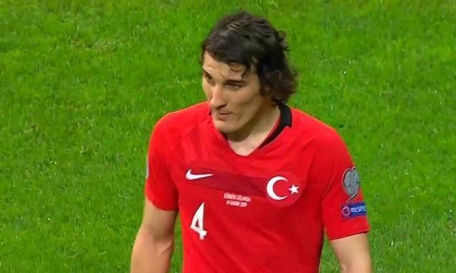 0-0!25000名球迷见证历史!土耳其力压世界杯冠军提前晋级