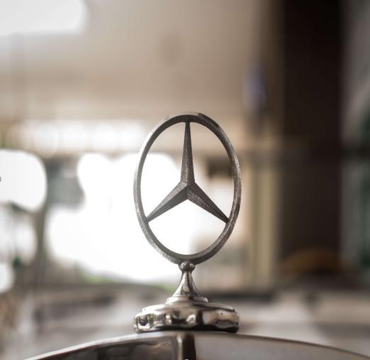 德国奔驰裁员 2020年削减10亿欧元工资支出