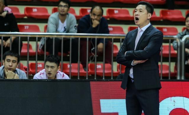 官宣!CBA金牌教练签下最大牌外援,新疆队与广东队多1争冠对手