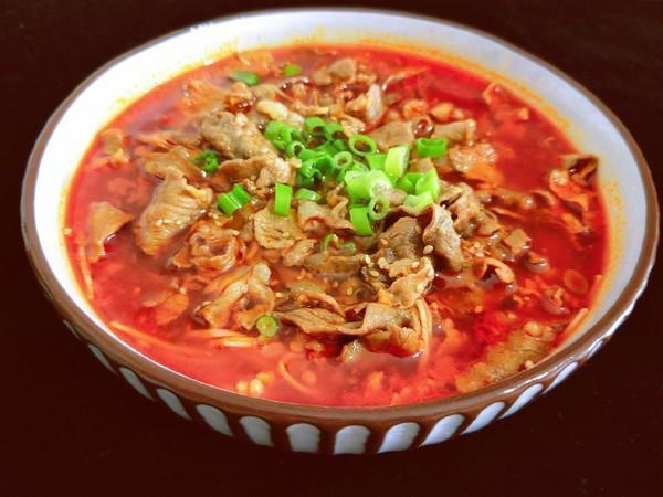 美食推荐:酸汤肥牛,榨菜肉丝,梅干菜烧肉