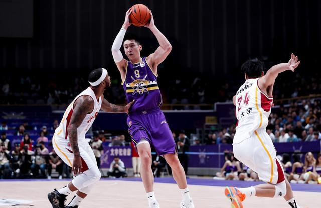 孙悦用表现让质疑者闭嘴,杜锋会让他重返中国男篮吗?