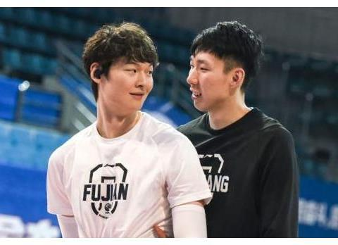 又刷存在感?前山东男篮队长一动作引热议,球迷:别给他说陈培东