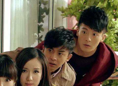 《爱情公寓》的雷哥逆袭啦,近照曝光帅出新高,还意外撞脸蔡徐坤