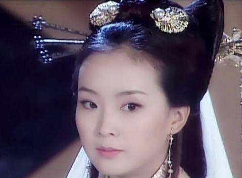 王艳4次演配角,次次比女主受欢迎,网友:厉害啦我的晴格格!
