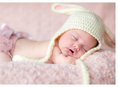 宝宝昼夜颠倒,该不该叫醒呢?错误的决定,对自己和宝宝都不好