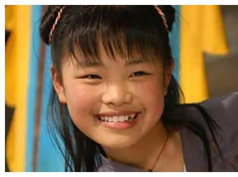 同是演技爆棚的童星,如今杨紫片约不断,她却无戏可拍