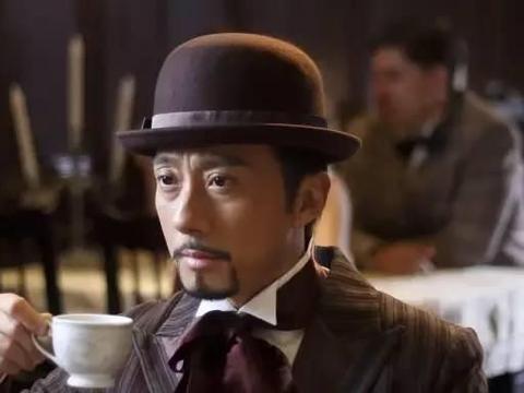 51岁中戏教师赵立新,女神汤唯是他的学生,如今作死前途尽毁