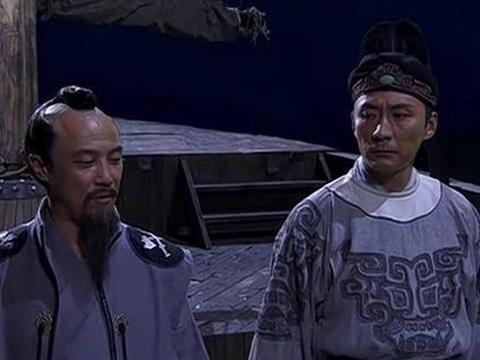 李元芳大战铁手团11位高手,只是背部受了伤,为何得了失忆症!