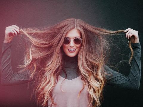 """洗头时养成3个""""好习惯"""",头发减少出油,还能减少""""脱发""""呦"""