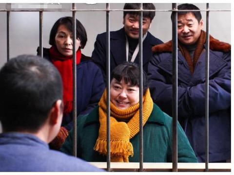 老戏骨宣布退出演艺圈,刘信达却点名炮轰杨颖,评论区瞬间炸了锅
