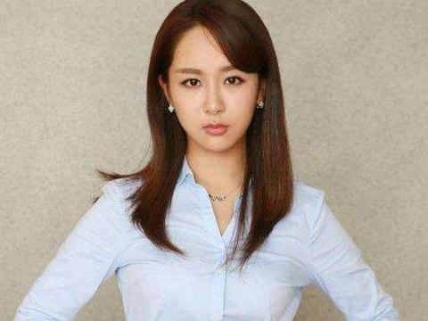 杨紫喜欢了他5年,欧阳娜娜称他是理想型,他究竟有多大魅力?
