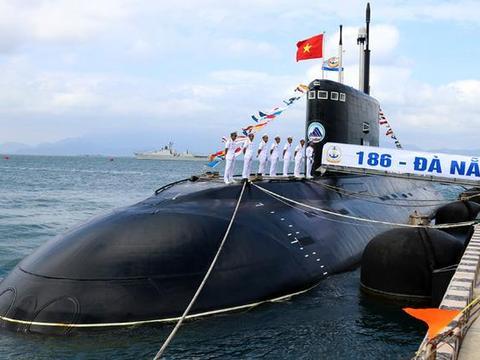 越南潜艇基地遭遇重创,基洛级紧急撤离金兰湾,美:幸亏撤退及时