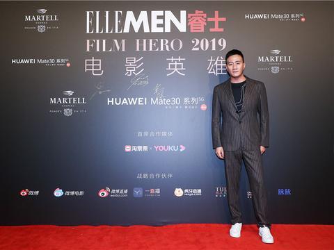 胡军致敬电影幕后英雄 《影》获最佳摄影奖