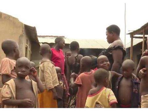 非洲姑娘嫁大30岁丈夫,37岁生下38个孩子,B超结果让人无语!