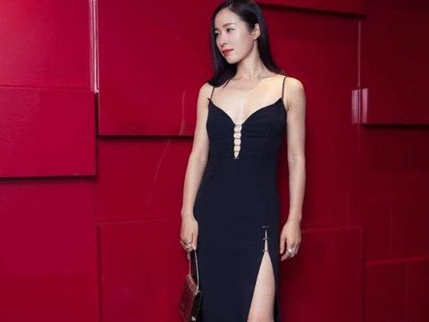 江一燕身材有多性感,当看到她的比基尼后 网友:我的小心脏啊