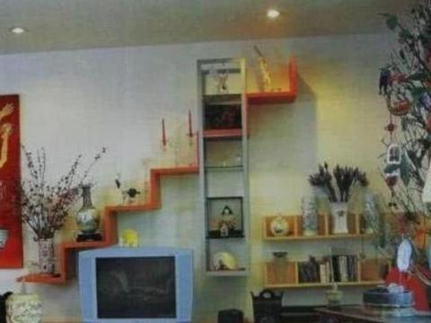 蔡国庆晒出自己家房子,随便一件家具都有来头,连电视也是古董货