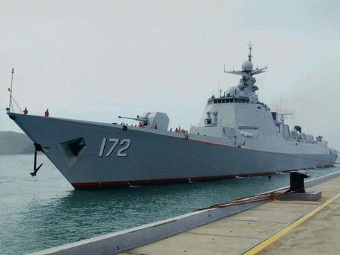 大型驱逐舰性能比对,中国055万吨大驱不输美国,展现海军新力量